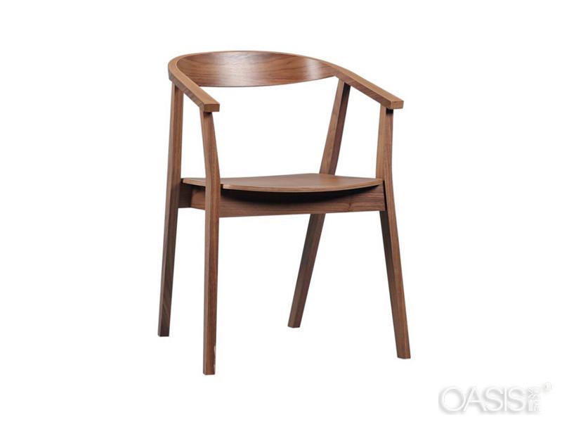 餐厅桌椅这样摆放,能多赚钱